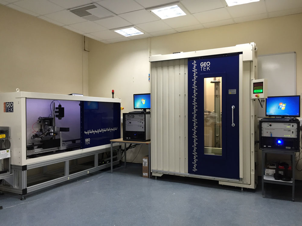 VXCT system installed into a customer's laboratory with a MSCL-XZ XRF cabinet